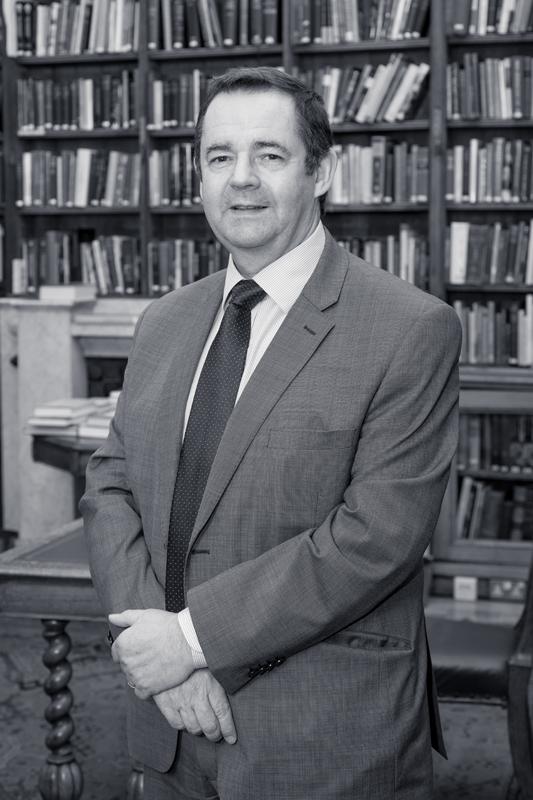 Dr Tom Mackay